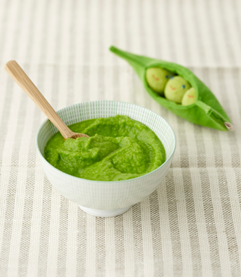 Pea puree baby food
